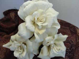 цветя от царевична шума