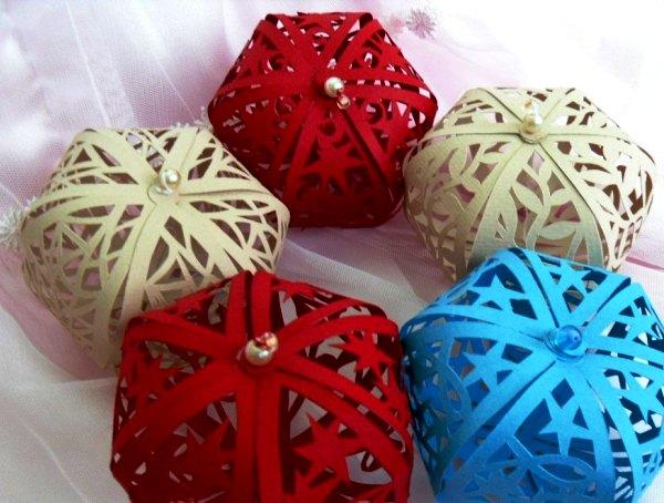 Коледни играчки от хартия