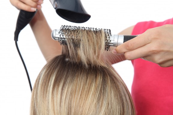 как се суши коса