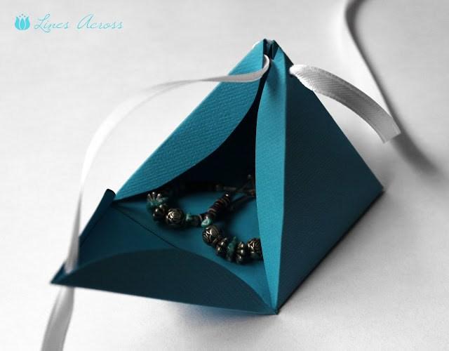 кутийка за подаръци