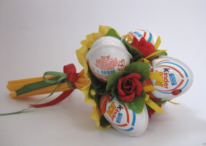 Букет за деца с шокладови яйца