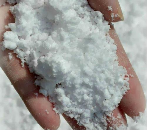 Как се прави изкуствен сняг