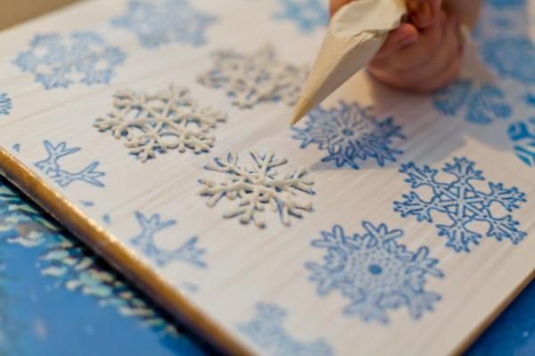 Снежинки за украса на торта