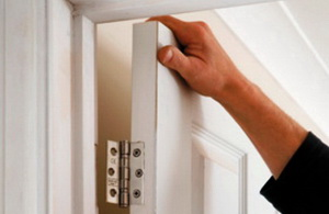 С какво да смажем скърцаща врата